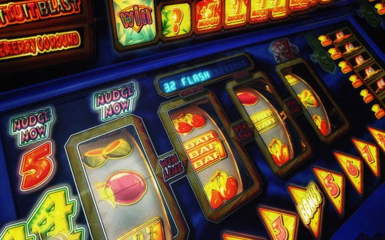 в какие игры играют в интернете на деньги